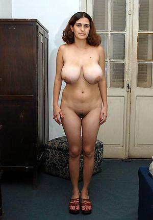 Busty mature amateur porn pics