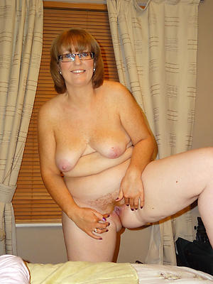 Xxx nude grown-up in glasses pictures