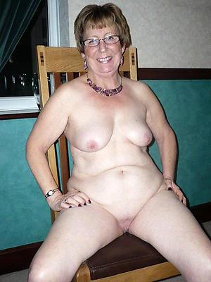 Nude mature in glasses slut pics
