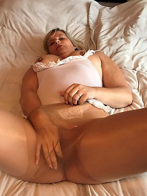 Amateur pics of grown up pantyhose fetish
