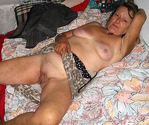 Slutty older mature pussy pics