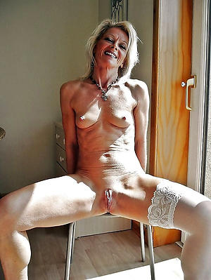 Slutty mature muscle woman unclothed pictures