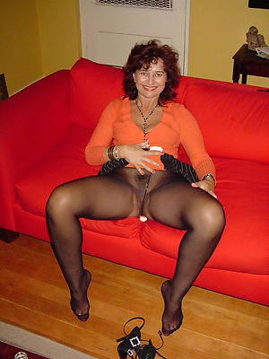 Sexy mature woman in pantyhose floozy pics