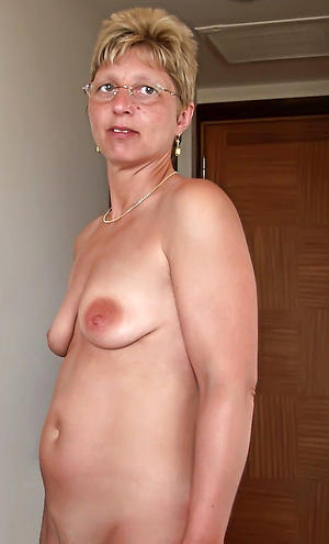 Amateur mature hot mom pussy pics