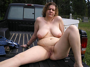 Undecorated mature outdoor pussy gallery