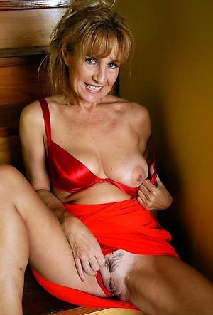 Truth mature women over 40 amateur exposed photos