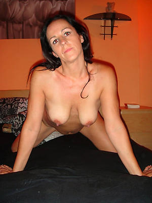 Amateur pics of sexy full-grown women over 40