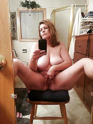 Amateur pics of grown up women nude selfshots