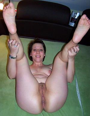 Naked mature womens feet photos