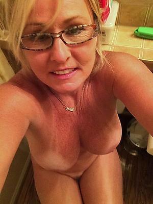 Old women unshod selfshot pics