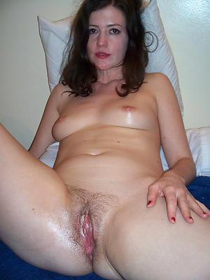 Beautiful undressed mature vagina photos