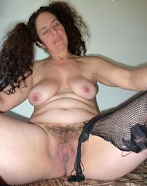 Beautiful sexy mature women naked photos