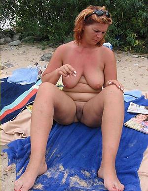 Gorgeous mature unshod beach photos