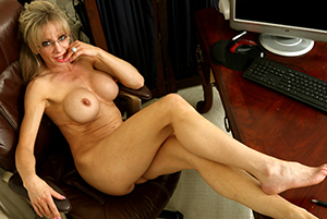 Sexy beautiful grown up blondes porn pics