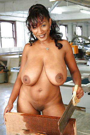 Naked black mature pussy pics