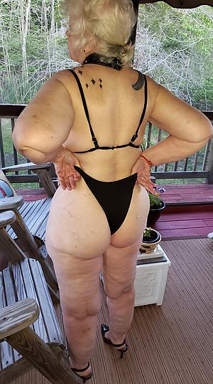 Pretty adult milf bikini