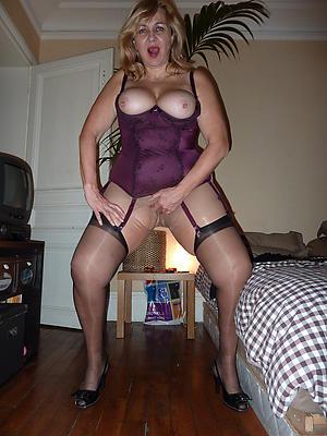 Xxx mature stocking ladies porn pictures