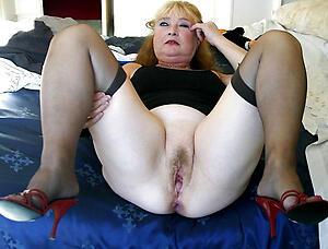Hot mature roasting pussy slut pics