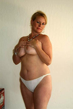 Hot beautiful mature pussies porn pics