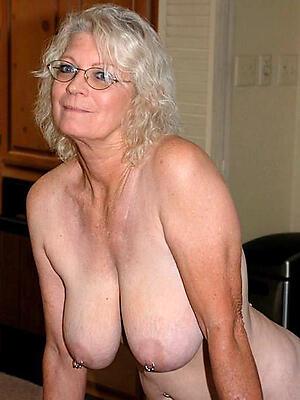 Amateur pics of beautiful mature in glasses
