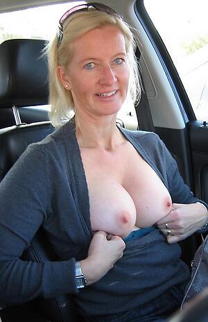 Hot porn of amateur adult dispirited in car