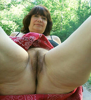 Beautiful unshaved grown-up pussy naked photo