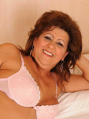 Amateur mature cougars nude pussy pics
