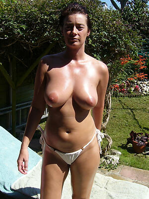 Gorgeous mature horny cougars porn pics