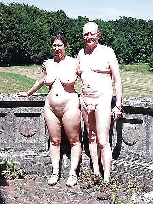 Pretty sexy mature couples pic