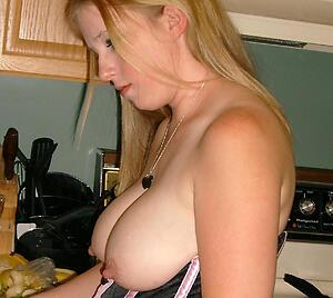 Naughty mature housewives uk amateur pics