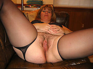Real hairy mature moms porn pics