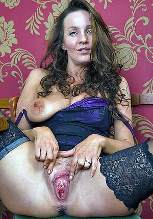 Sexy mature horny cougars porn pics