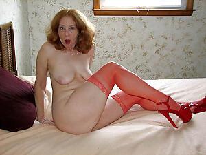 Unprofessional pics of naked older mature women
