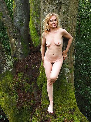 Hot porn of mature women outdoors