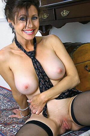 Unskilful pics be advantageous to brunette mature nude