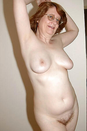 Inexpert pics of nude mature models