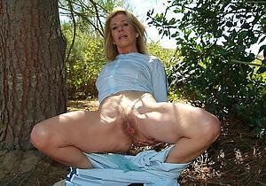 Gorgeous mature column solo unmitigated nude pics