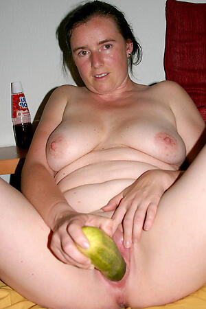 Xxx mature playing with pussy