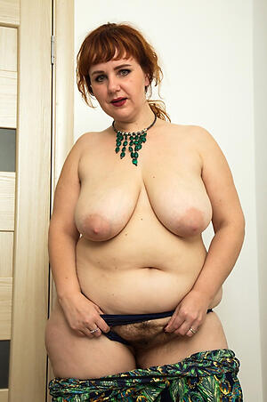 Off colour mature chubby wife porn pics