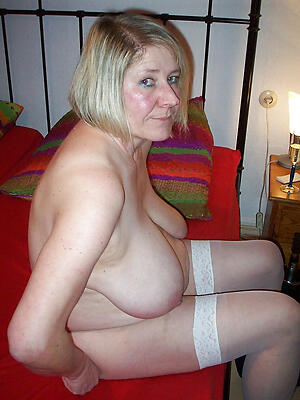Naughty nude unresponsive mature pics