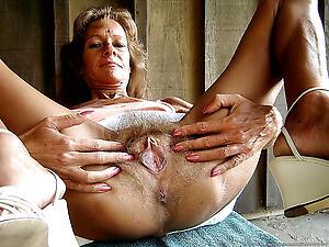Hot mature pussy close up porn pics