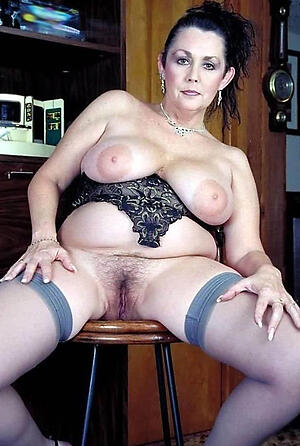 Naughty sexy full-grown pics