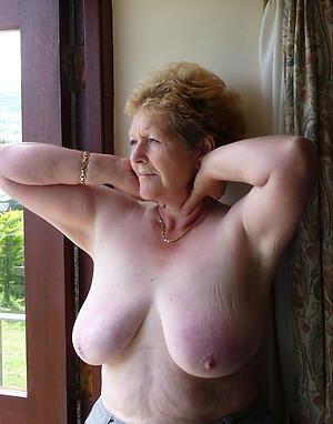 Sexy horny mature moms pussy pics
