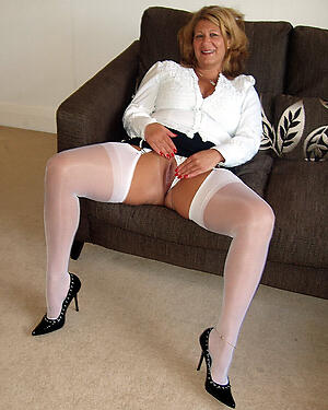 Hot mature moms porn pics