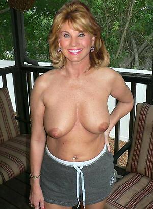 Naked adult moms porn pics
