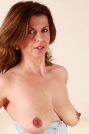 Hot porn of grown-up milfs over 40
