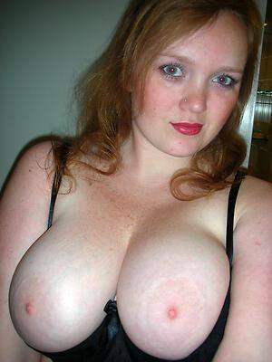 Beautiful nude mature selfshots