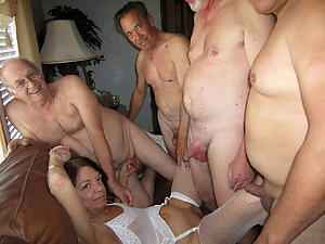 Pretty of age women group sex