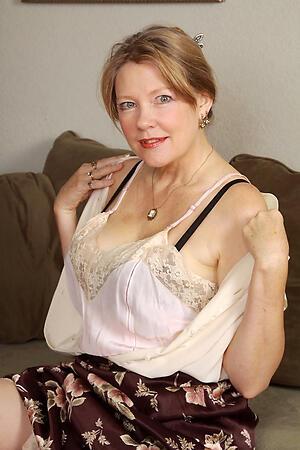 Amateur pics of classic mature women