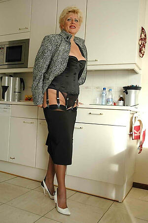 Naked classic mature women gallery